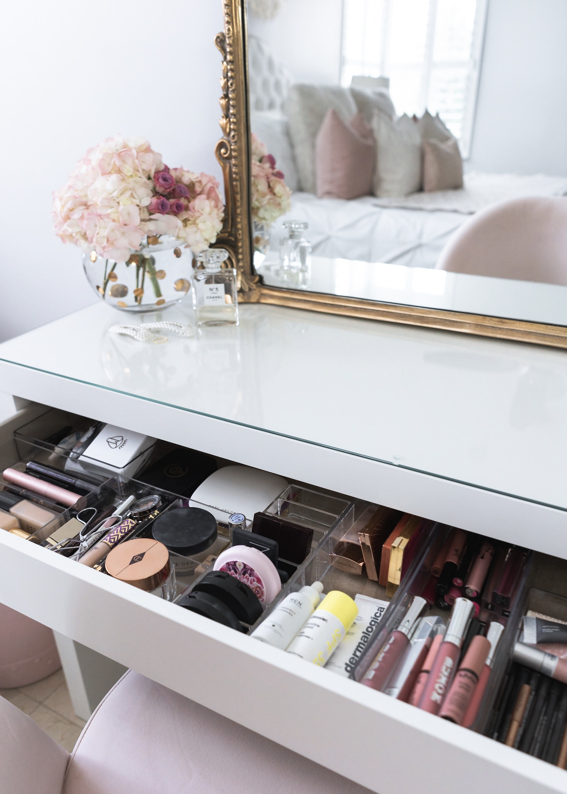 How I Organize My Makeup Bedroom